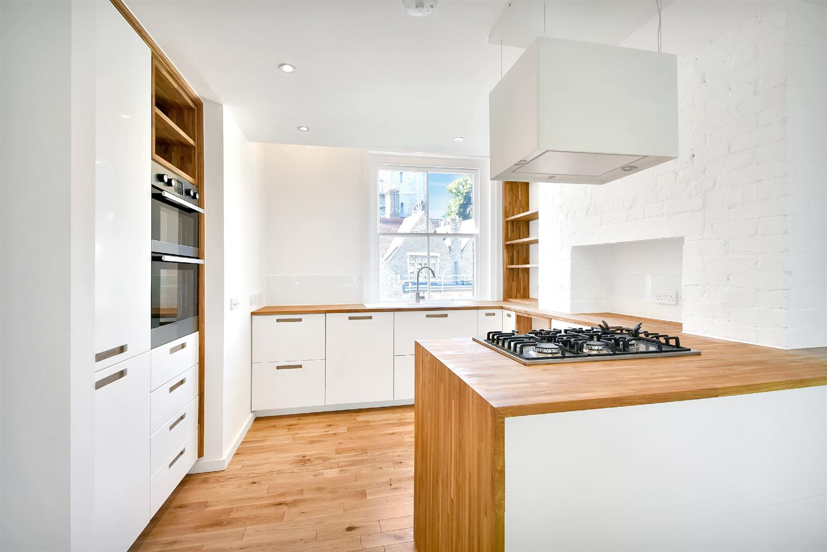 3 Bedrooms Flat for sale in Grove Place, Hampstead Village, NW3